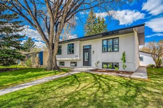 Photo 1: 5039 BULYEA Road NW in Calgary: Brentwood Detached for sale : MLS®# A1047047