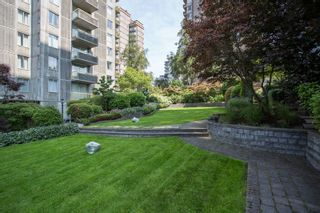 "Photo 18: 901 1146 HARWOOD Street in Vancouver: West End VW Condo for sale in ""The Lamplighter"" (Vancouver West)  : MLS®# R2376230"