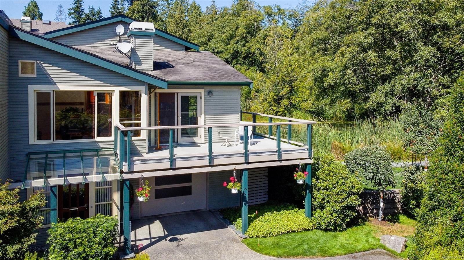 Main Photo: 18 133 Corbett Rd in : GI Salt Spring Row/Townhouse for sale (Gulf Islands)  : MLS®# 854115