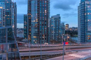 Photo 16: 1208 1480 HOWE STREET in Vancouver: Yaletown Condo for sale (Vancouver West)  : MLS®# R2427901