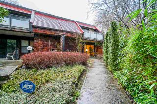 Photo 3: 4151 BRIDGEWATER Crescent in Burnaby: Cariboo Townhouse for sale (Burnaby North)  : MLS®# R2535340