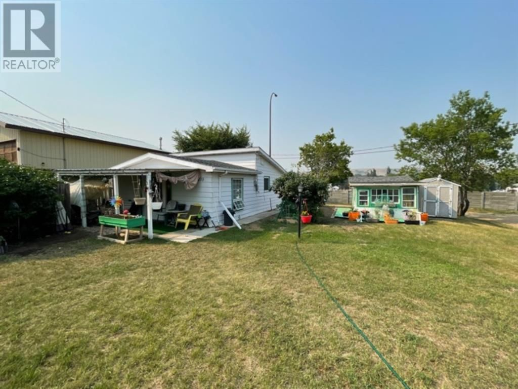 Main Photo: 1410 4 Avenue SW in Drumheller: House for sale : MLS®# A1127949