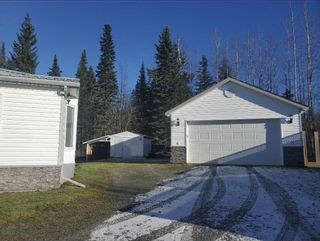 """Photo 3: 2866 EVASKO Road in Prince George: South Blackburn Manufactured Home for sale in """"SOUTH BLACKBURN"""" (PG City South East (Zone 75))  : MLS®# R2542635"""