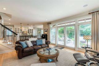"""Photo 10: 2411 125 Street in Surrey: Crescent Bch Ocean Pk. House for sale in """"CRESCENT HEIGHTS"""" (South Surrey White Rock)  : MLS®# R2499568"""