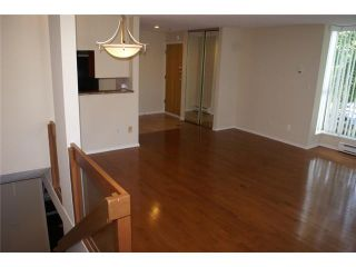 """Photo 7: 918 W 14TH Avenue in Vancouver: Fairview VW Townhouse for sale in """"Fairview Court"""" (Vancouver West)  : MLS®# V964257"""