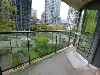 "Photo 14: 305 588 BROUGHTON Street in Vancouver: Coal Harbour Condo for sale in ""Harbourside Park Tower I"" (Vancouver West)  : MLS®# R2575984"