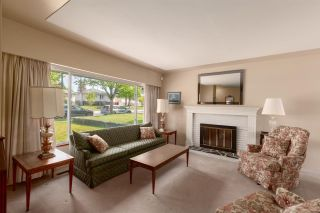 Photo 4: 3150 E 49TH Avenue in Vancouver: Killarney VE House for sale (Vancouver East)  : MLS®# R2583486