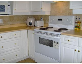 """Photo 10: 68 7500 CUMBERLAND Street in Burnaby: The Crest Townhouse for sale in """"WILDFLOWER"""" (Burnaby East)  : MLS®# V651853"""