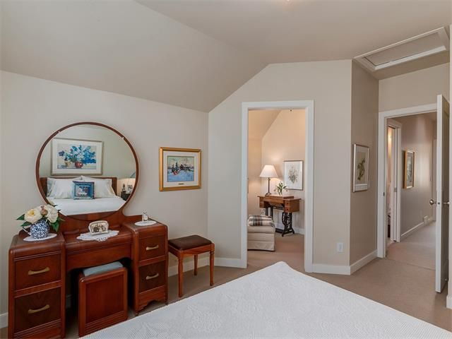 Photo 30: Photos: 309 16 Street NW in Calgary: Hillhurst House for sale : MLS®# C4005350
