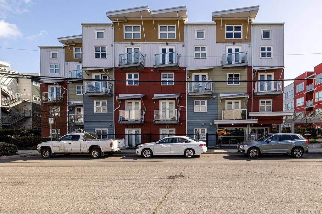 Main Photo: 315 787 Tyee Rd in : VW Victoria West Condo for sale (Victoria West)  : MLS®# 871571