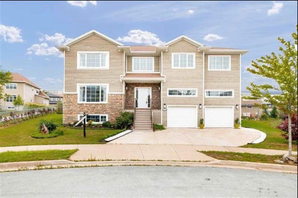 Main Photo: 68 Salzburg Place in Halifax: 5-Fairmount, Clayton Park, Rockingham Residential for sale (Halifax-Dartmouth)  : MLS®# 202117350