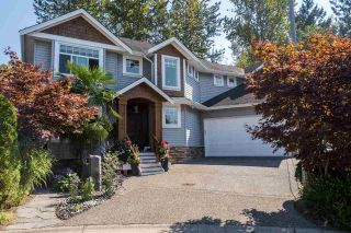 """Photo 1: 21658 92B Avenue in Langley: Walnut Grove House for sale in """"Central Walnut Grove"""" : MLS®# R2495543"""