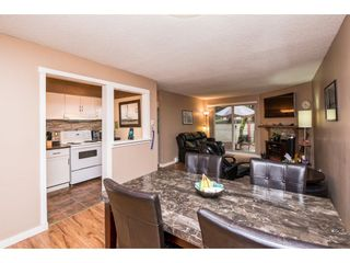 """Photo 9: 10531 HOLLY PARK Lane in Surrey: Guildford Townhouse for sale in """"HOLLY PARK LANE"""" (North Surrey)  : MLS®# R2147163"""