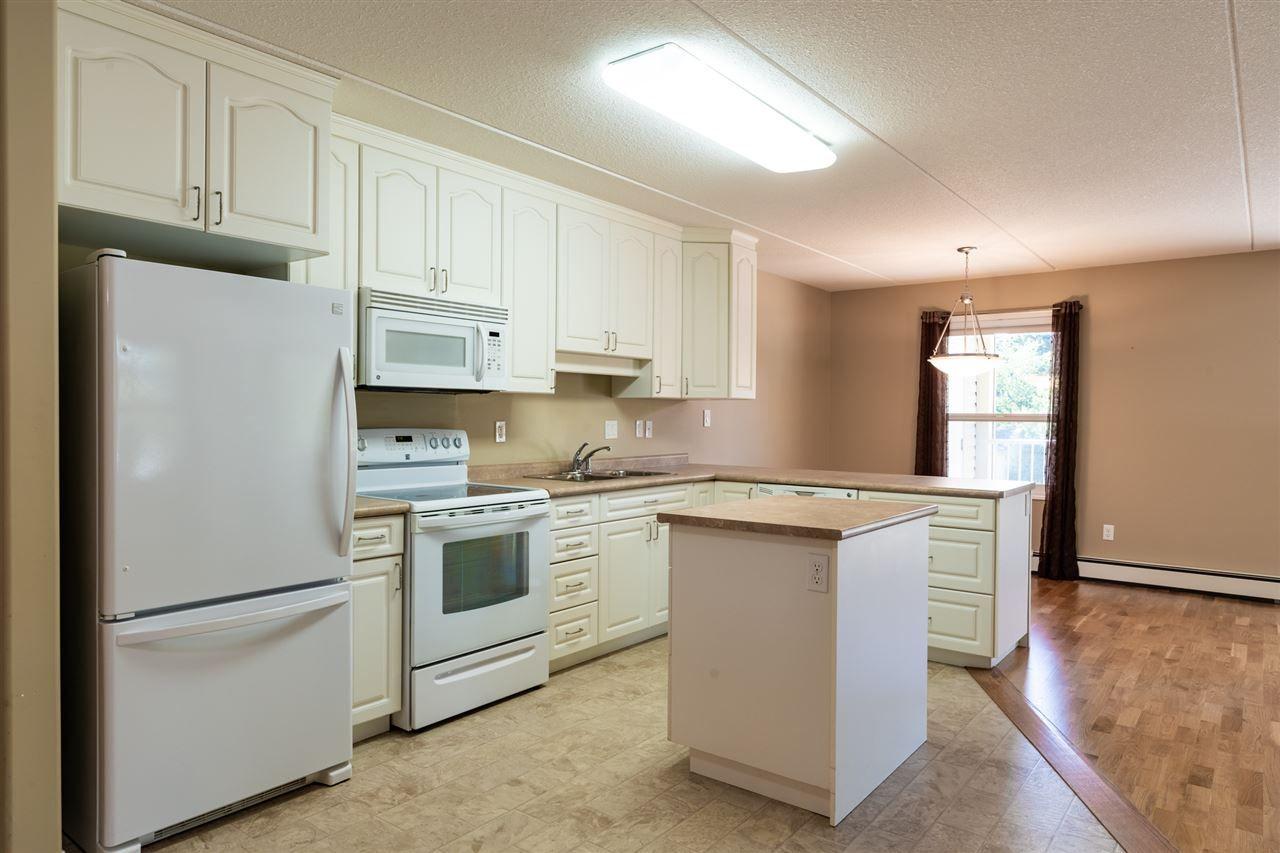 Photo 2: Photos: 208 4707 51 Avenue: Wetaskiwin Condo for sale : MLS®# E4232125