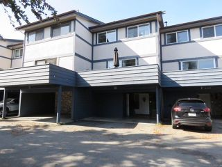 Photo 1: E 4845 LINDEN Drive in Delta: Hawthorne Townhouse for sale (Ladner)  : MLS®# R2309767