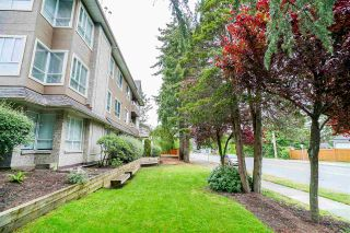 "Photo 19: 201 15375 17 Avenue in Surrey: King George Corridor Condo for sale in ""Carmel Court"" (South Surrey White Rock)  : MLS®# R2275453"