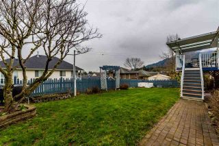 "Photo 3: 46435 MULLINS Road in Chilliwack: Promontory House for sale in ""PROMONTORY HEIGHTS"" (Sardis)  : MLS®# R2442891"