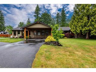 Photo 2: 24107 52A Avenue in Langley: Salmon River House for sale : MLS®# R2593609