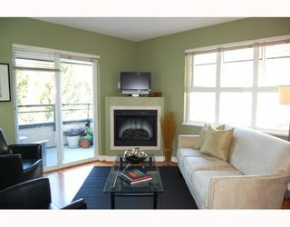 "Photo 2: 402 736 W 14TH Avenue in Vancouver: Fairview VW Condo for sale in ""BRAEBERN"" (Vancouver West)  : MLS®# V790035"