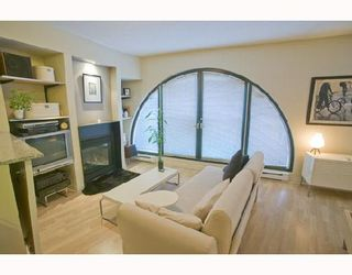 """Photo 2: 207 55 ALEXANDER Street in Vancouver: Downtown VE Condo for sale in """"GASTOWN"""" (Vancouver East)  : MLS®# V745072"""