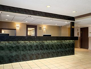 Photo 2: Hotel/Motel with property in Vernon in Vernon: Business with Property for sale