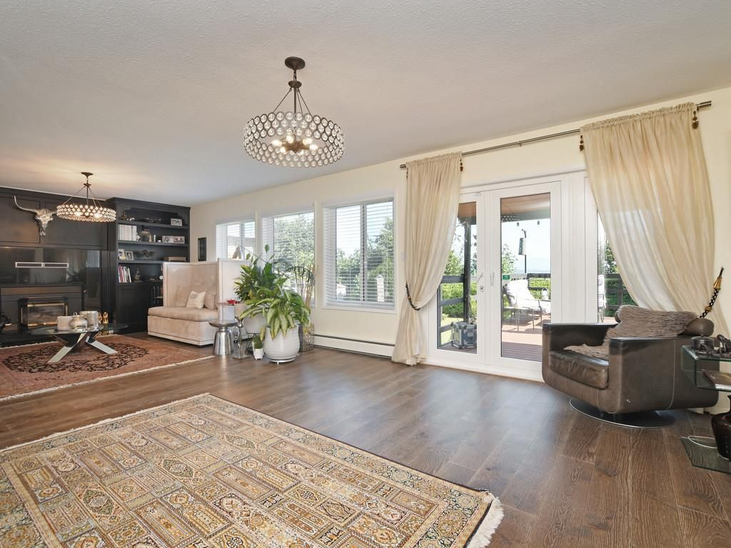 Photo 5: Photos: 7471 NORTHCOTE Street in Mission: Mission BC House for sale : MLS®# R2447244