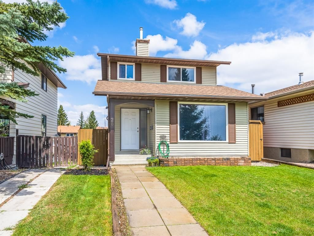 Main Photo: 20 Beacham Rise NW in Calgary: Beddington Heights Detached for sale : MLS®# A1113792