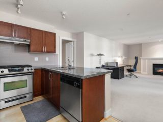 "Photo 11: 309 5725 AGRONOMY Road in Vancouver: University VW Condo for sale in ""Glenlloyd Park"" (Vancouver West)  : MLS®# R2562790"
