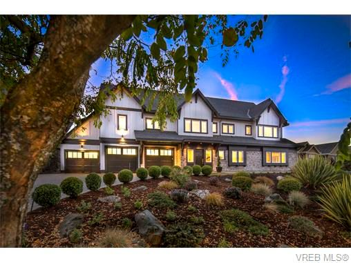 Main Photo: 2038 Troon Crt in VICTORIA: La Bear Mountain House for sale (Langford)  : MLS®# 742556