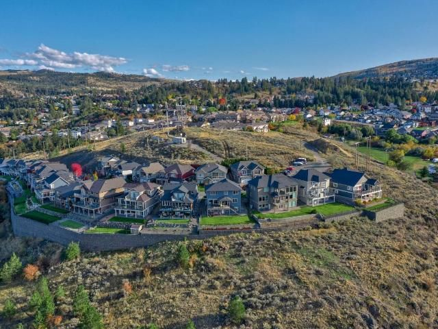 Main Photo: 22 460 AZURE PLACE in Kamloops: Sahali House for sale : MLS®# 164428