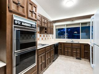 Photo 18: 587 WOODPARK Crescent SW in Calgary: Woodlands Detached for sale : MLS®# C4243103