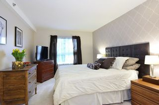 Photo 15: 401 19721 64 AVENUE in Langley: Willoughby Heights Condo for sale : MLS®# R2247351