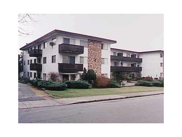 """Main Photo: 308 910 5TH Avenue in New Westminster: Uptown NW Condo for sale in """"GROSVENOR COURT"""" : MLS®# V848803"""