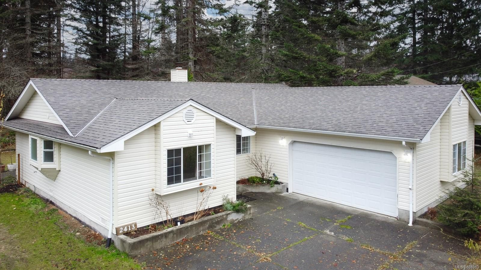 Main Photo: 2413 Catherwood Rd in : CV Merville Black Creek House for sale (Comox Valley)  : MLS®# 861013