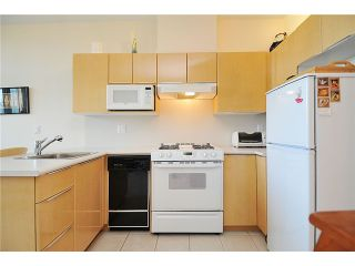 """Photo 4: 2406 1239 W GEORGIA Street in Vancouver: Coal Harbour Condo for sale in """"VENUS"""" (Vancouver West)  : MLS®# V929184"""