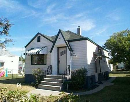Main Photo: 1087 college: Residential for sale (North End)