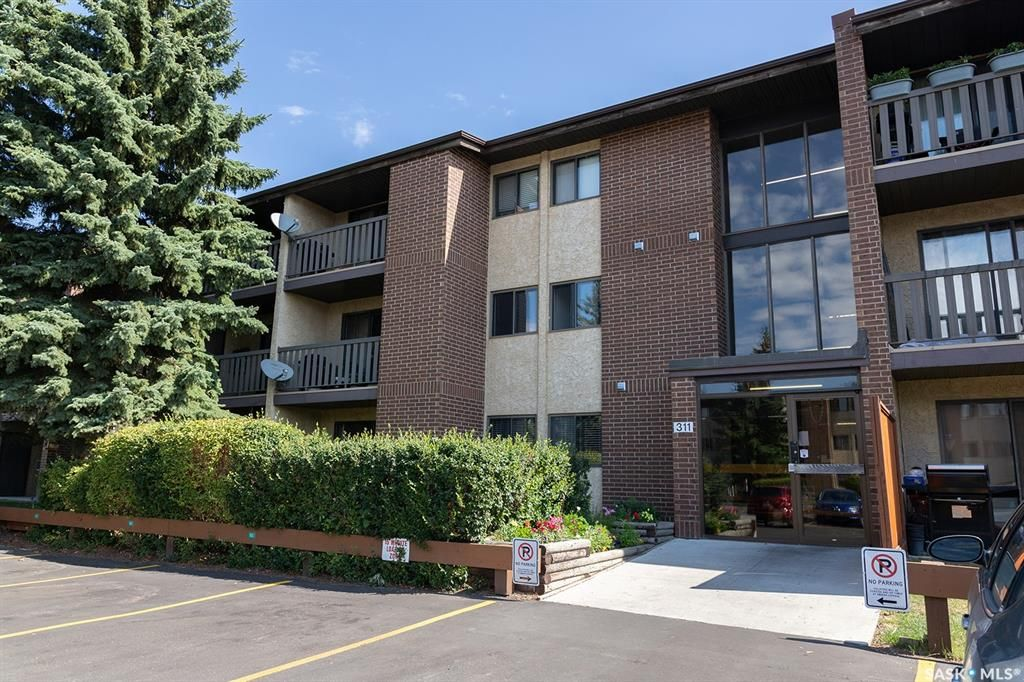 Main Photo: 305 311 Tait Crescent in Saskatoon: Wildwood Residential for sale : MLS®# SK846138