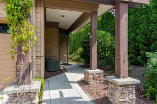 """Photo 4: 20 16655 64 Avenue in Surrey: Cloverdale BC Townhouse for sale in """"Ridgewoods"""" (Cloverdale)  : MLS®# R2482144"""