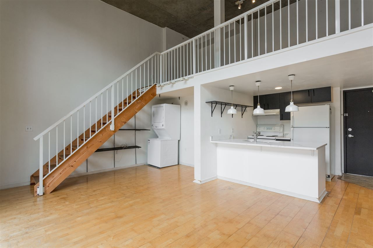 """Photo 3: Photos: 411 22 E CORDOVA Street in Vancouver: Downtown VE Condo for sale in """"Van Horne"""" (Vancouver East)  : MLS®# R2547163"""