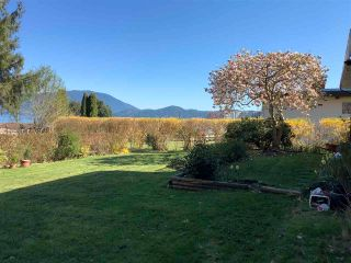 Photo 5: 1564 THOMPSON Road in Langdale: Gibsons & Area House for sale (Sunshine Coast)  : MLS®# R2571660