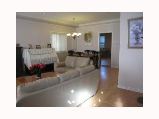 Photo 4: 7092 SUSSEX Avenue in Burnaby: Metrotown 1/2 Duplex for sale (Burnaby South)  : MLS®# V792817