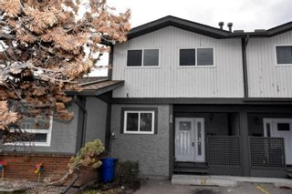 Main Photo: 28 7172 Coach Hill Road SW in Calgary: Coach Hill Row/Townhouse for sale : MLS®# A1142569
