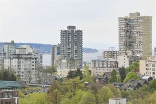 """Photo 2: 1706 909 BURRARD Street in Vancouver: West End VW Condo for sale in """"Vancouver Tower"""" (Vancouver West)  : MLS®# R2363575"""