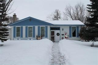 Main Photo: 103 Whitegates Crescent in Winnipeg: Single Family Detached for sale (5G)  : MLS®# 1702790