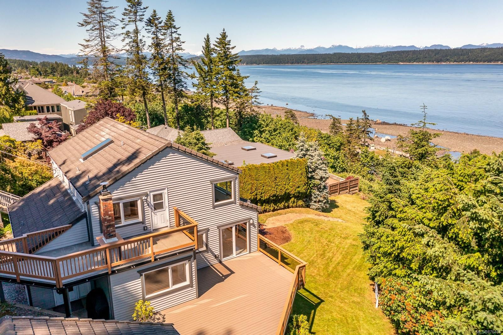 Main Photo: 699 Ash St in : CR Campbell River Central House for sale (Campbell River)  : MLS®# 876404