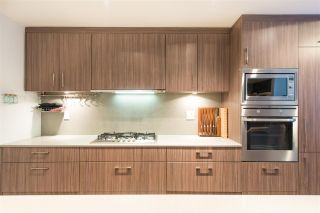 "Photo 6: 2405 HEATHER Street in Vancouver: Fairview VW Townhouse for sale in ""700 WEST 8TH"" (Vancouver West)  : MLS®# R2366688"