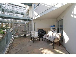 "Photo 2: # 213 2010 W 8TH AV in Vancouver: Kitsilano Condo for sale in ""AUGUSTINE GARDENS"" (Vancouver West)  : MLS®# V880530"