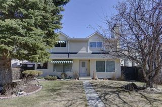 Photo 1: 137 Woodglen Way SW in Calgary: Woodbine Semi Detached for sale : MLS®# A1092343