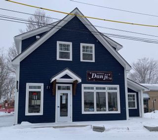 Photo 15: 8 ELM Avenue in Wolfville: 404-Kings County Commercial for sale (Annapolis Valley)  : MLS®# 202107494