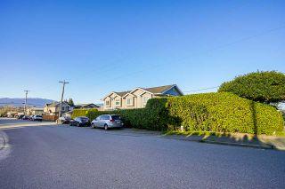 Photo 3: 5909 SPROTT Street in Burnaby: Central BN 1/2 Duplex for sale (Burnaby North)  : MLS®# R2564662